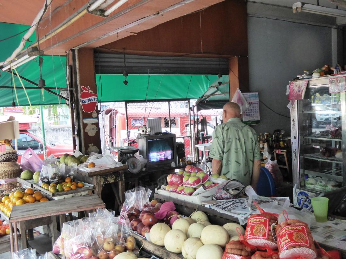 The frenetic life of the shopkeeper